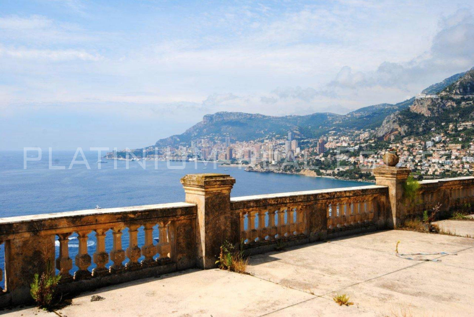 ROQUEBRUNE-CAP-MARTIN Villa 1300m2 Panoramic sea view 7 bedrooms TO RENOVATE