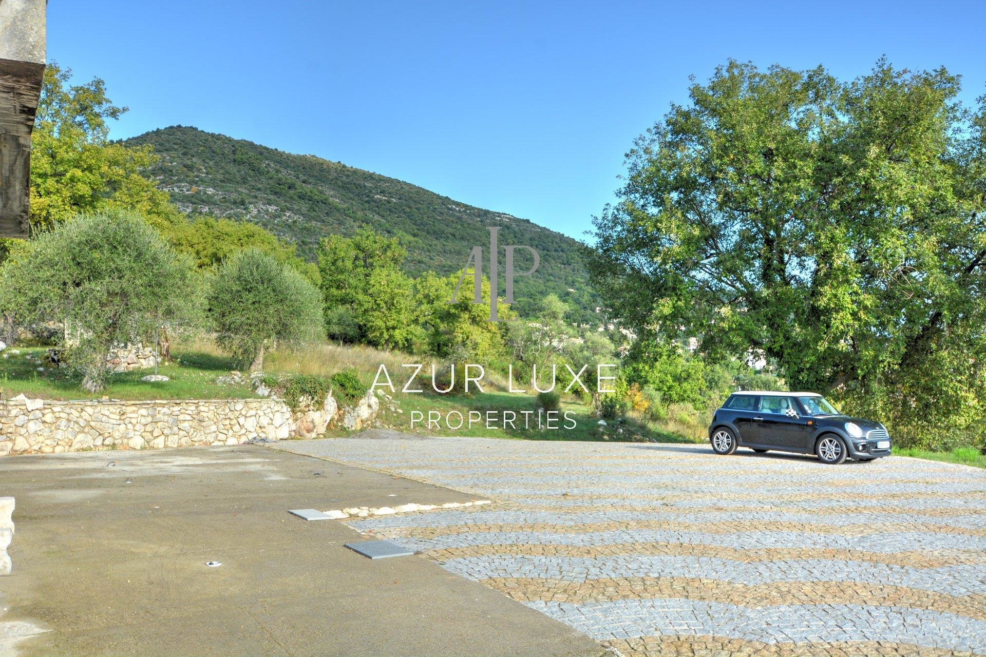 Sale Property - Saint-Jeannet