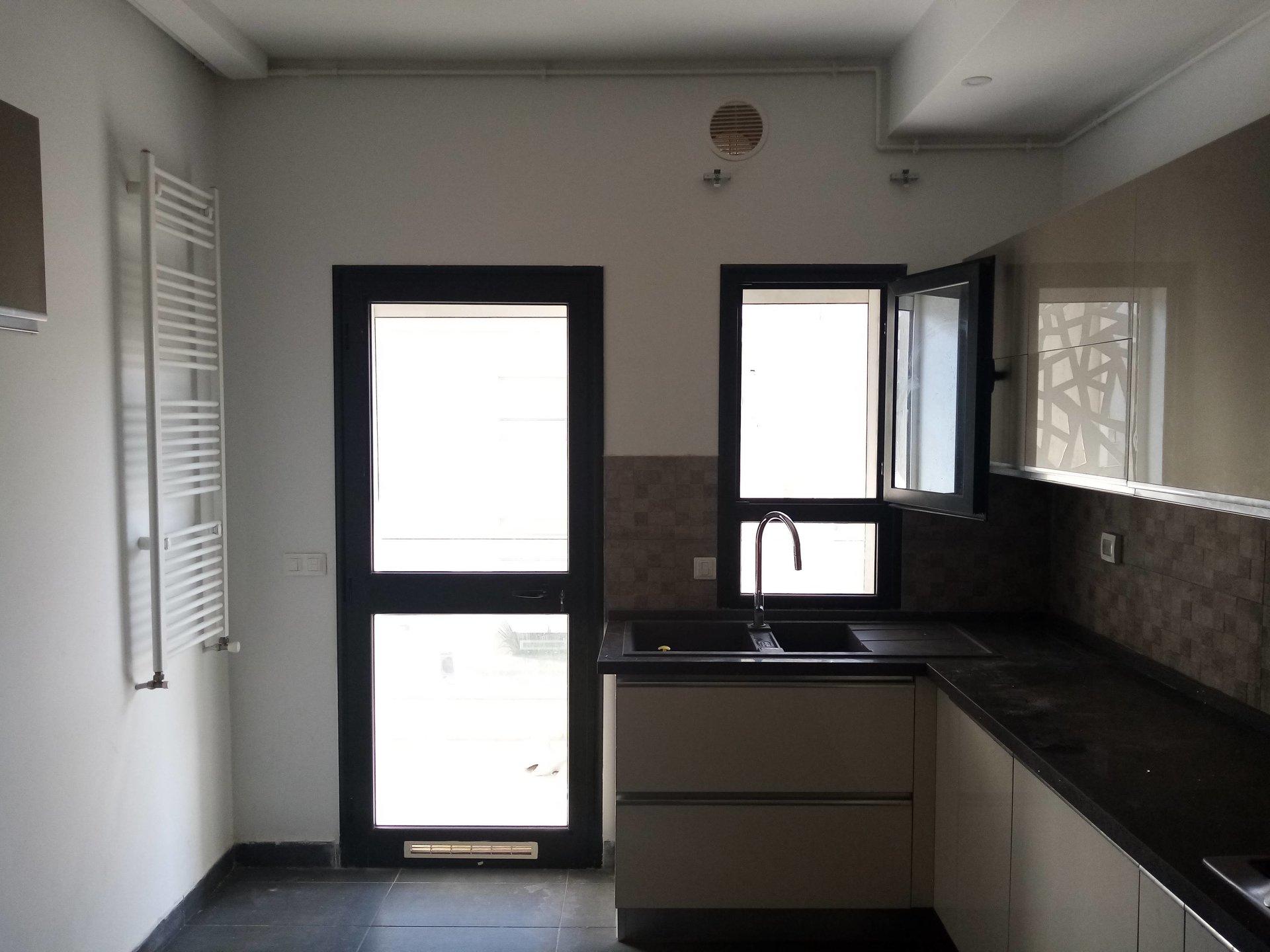 A vendre un appartement S+2 au lac 2 de haut standing
