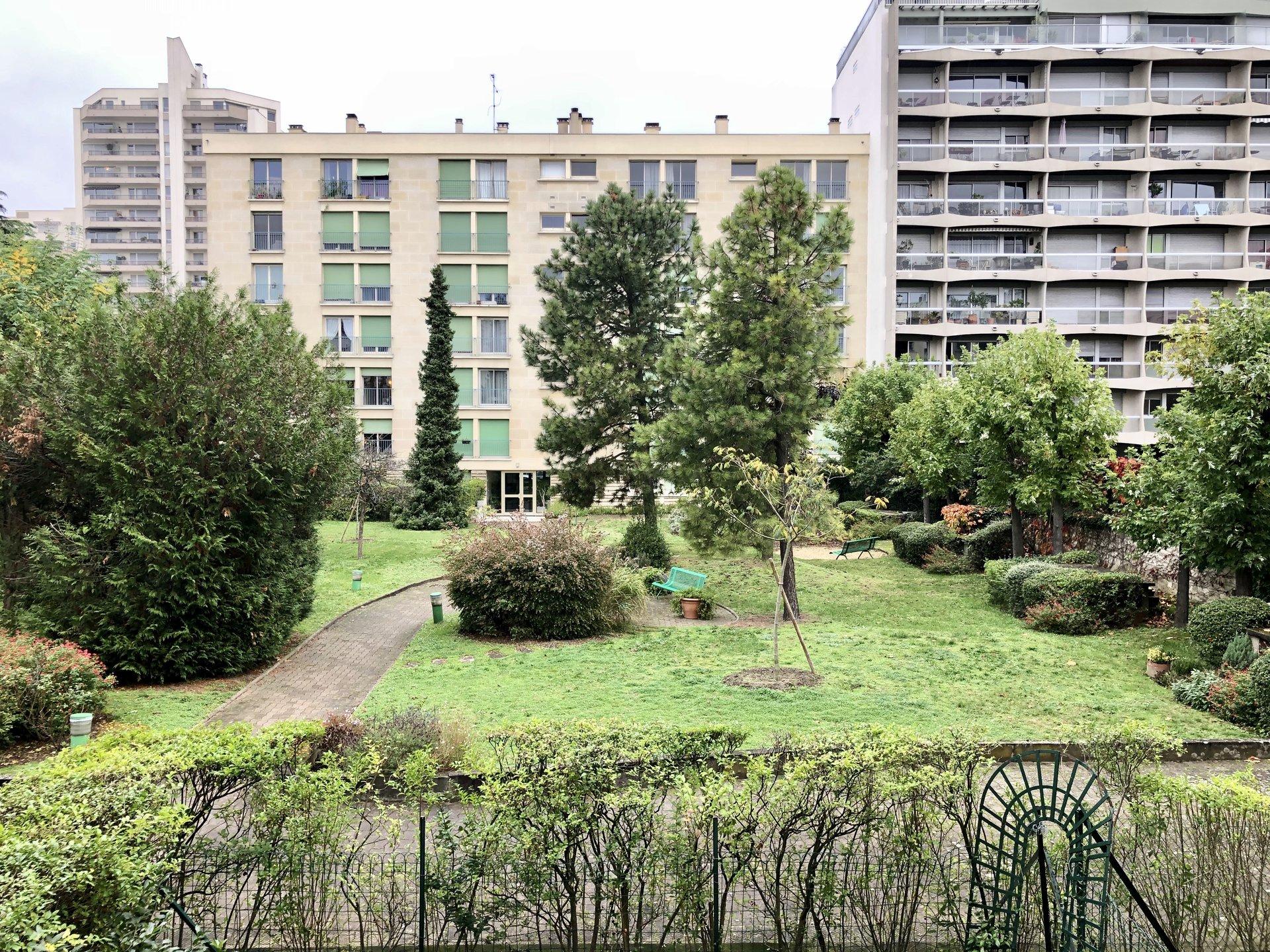 Deux Pièces - Courbevoie Bécon