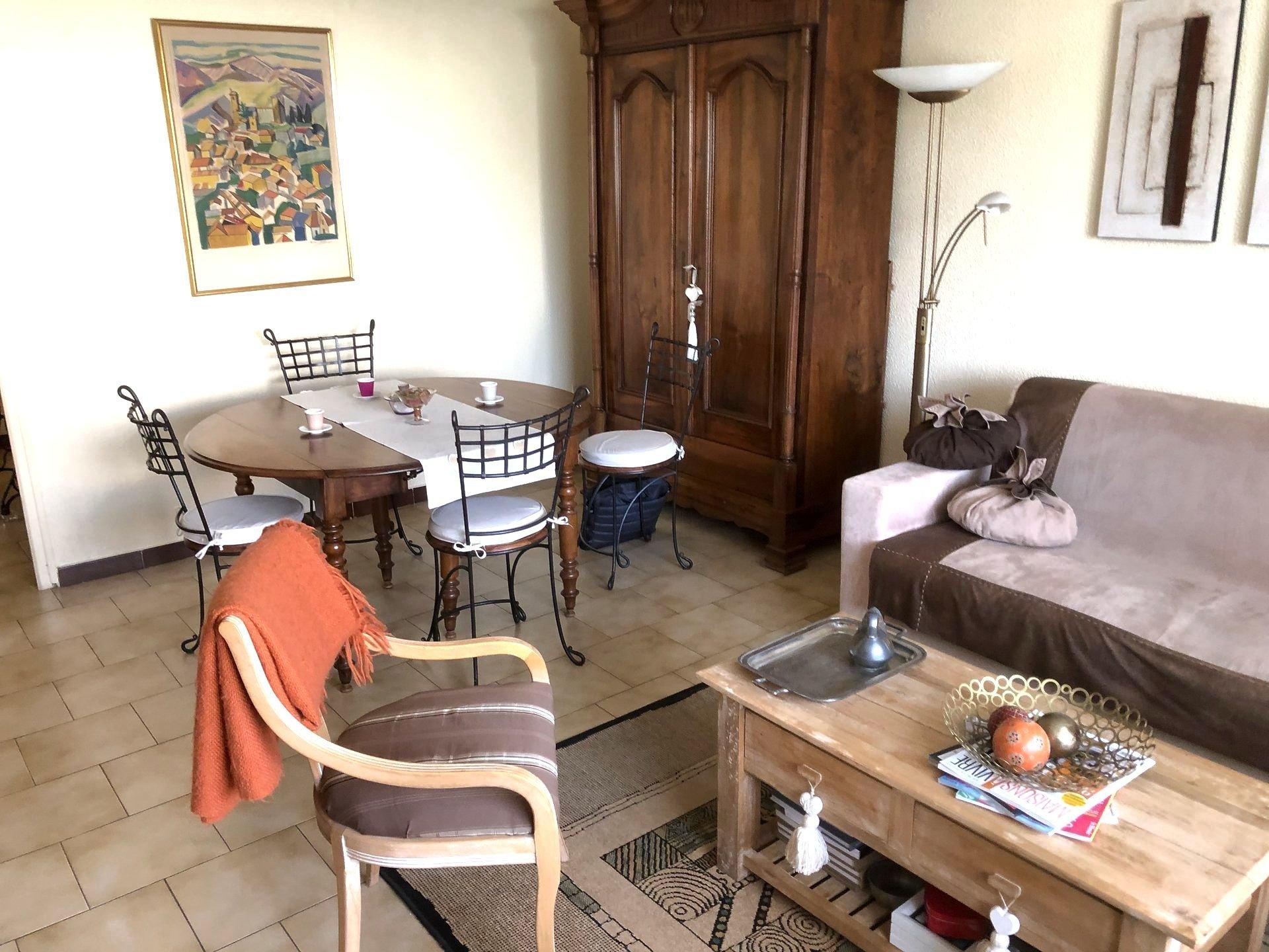 Perpignan Clos-Banet, beau T4 avec terrasse +garage dans petite résidence avec piscine