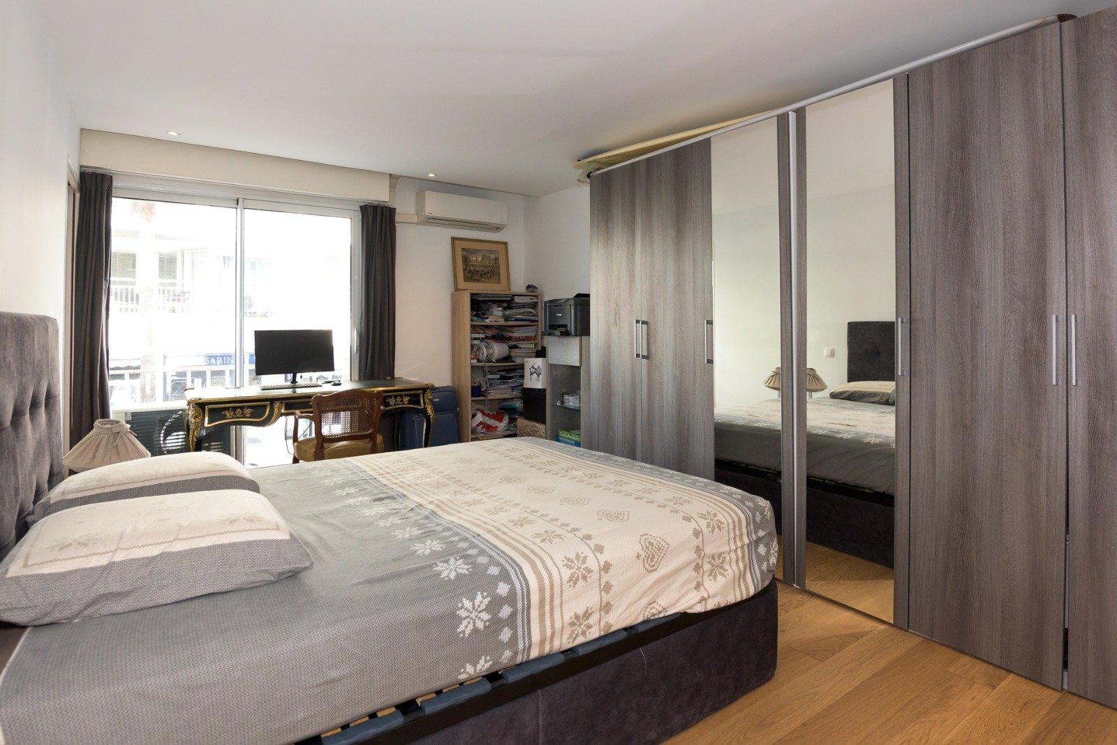 Palm beach,  one bedroom flat renewed