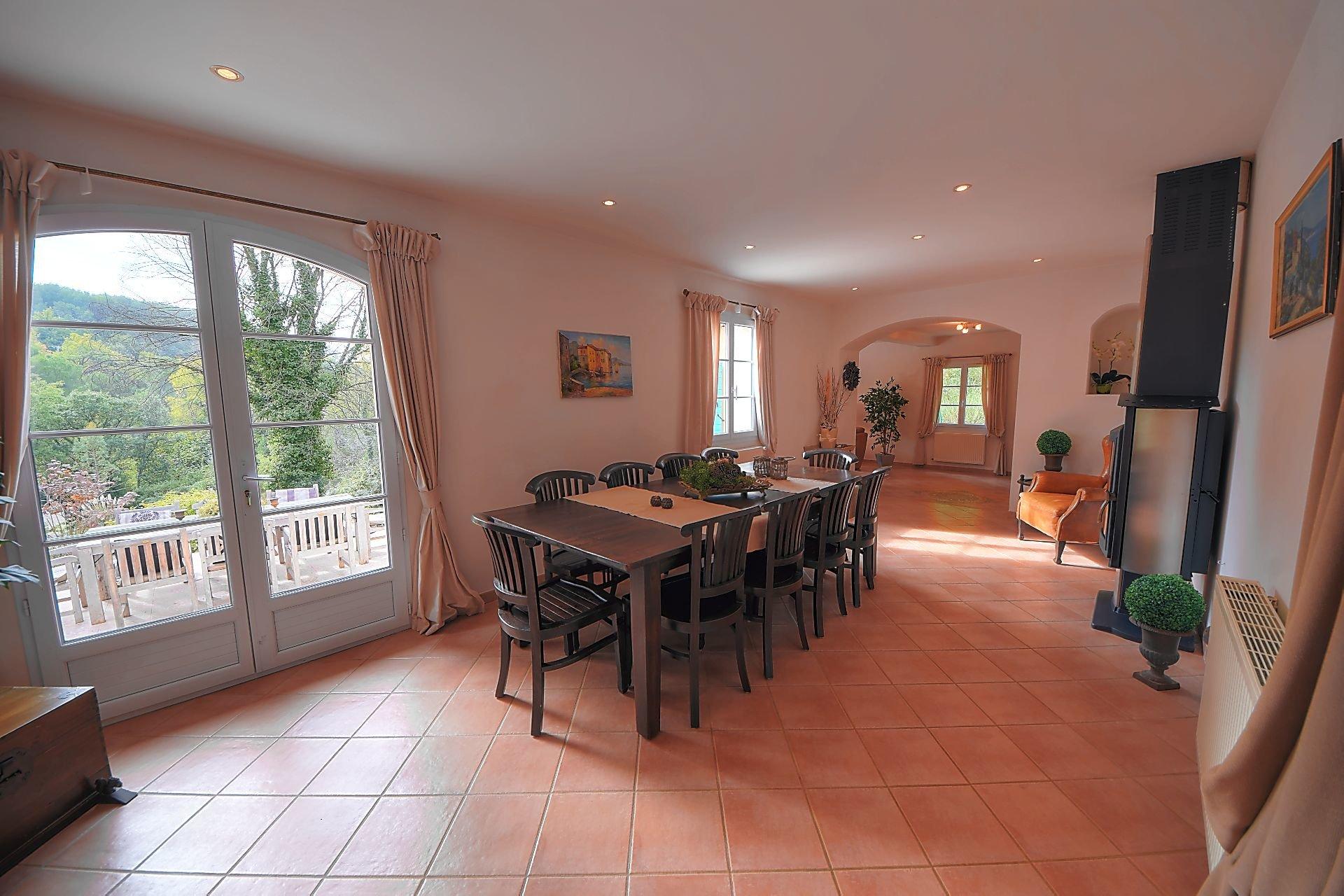 Superb country house 5 bed 223 m² Salernes Var Provence