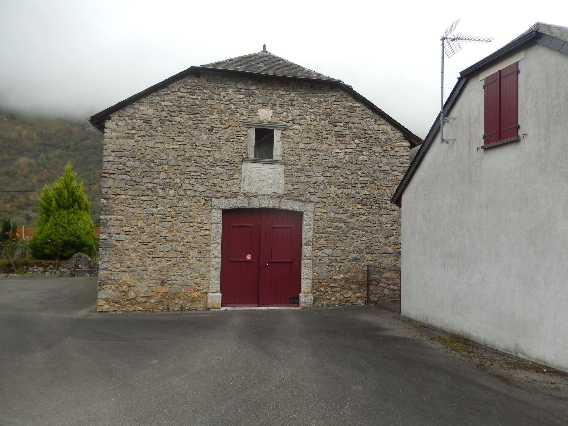 Grange et Maison d'habitation proche Laruns
