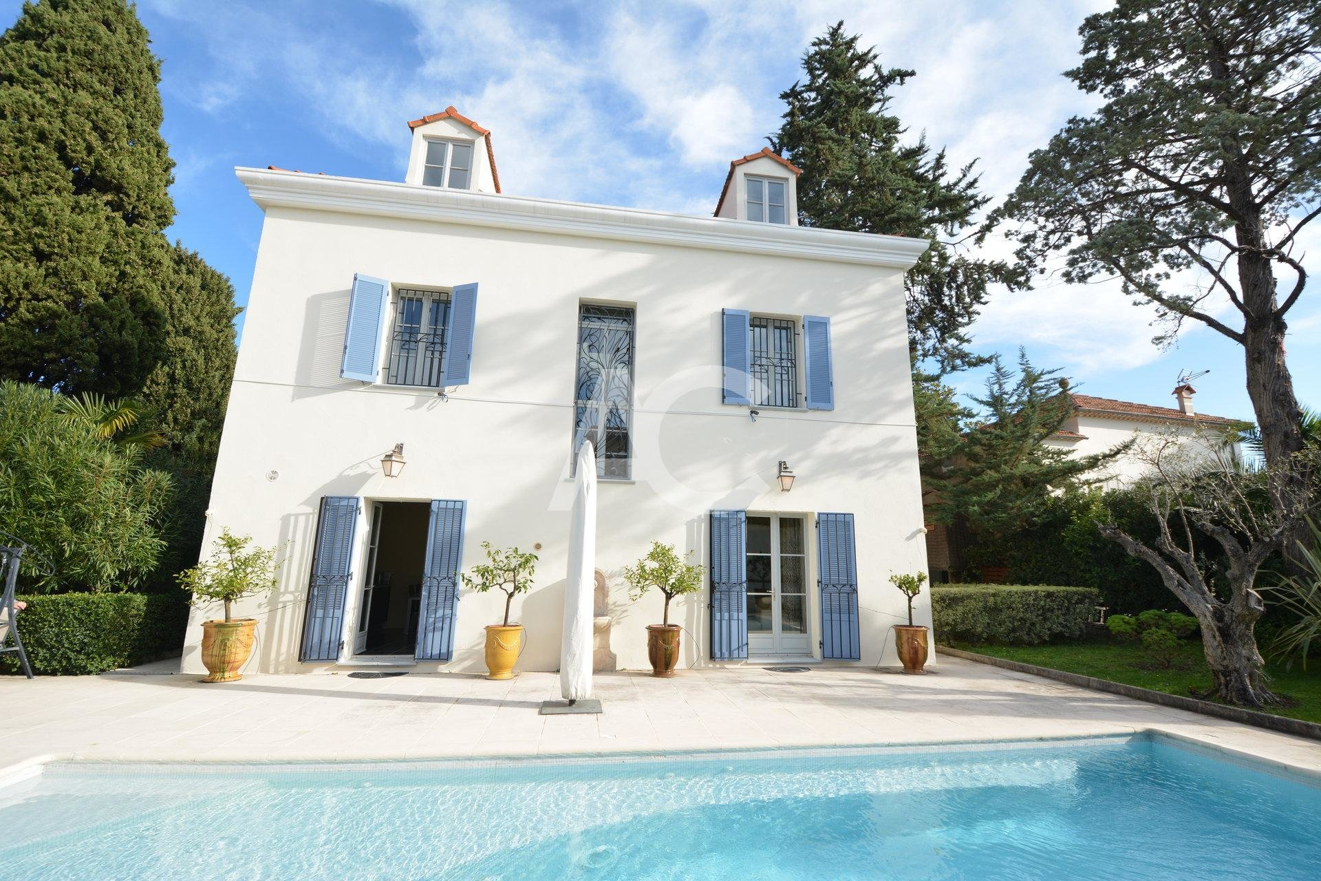 Villa near Salis beach - Cap d'Antibes
