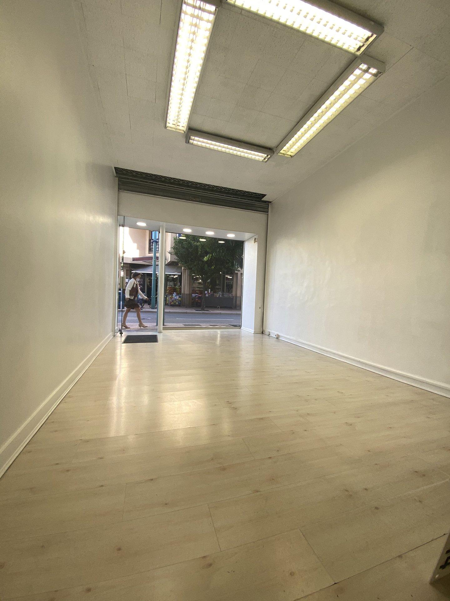 Vendita Locale commerciale - Mentone (Menton) Centre