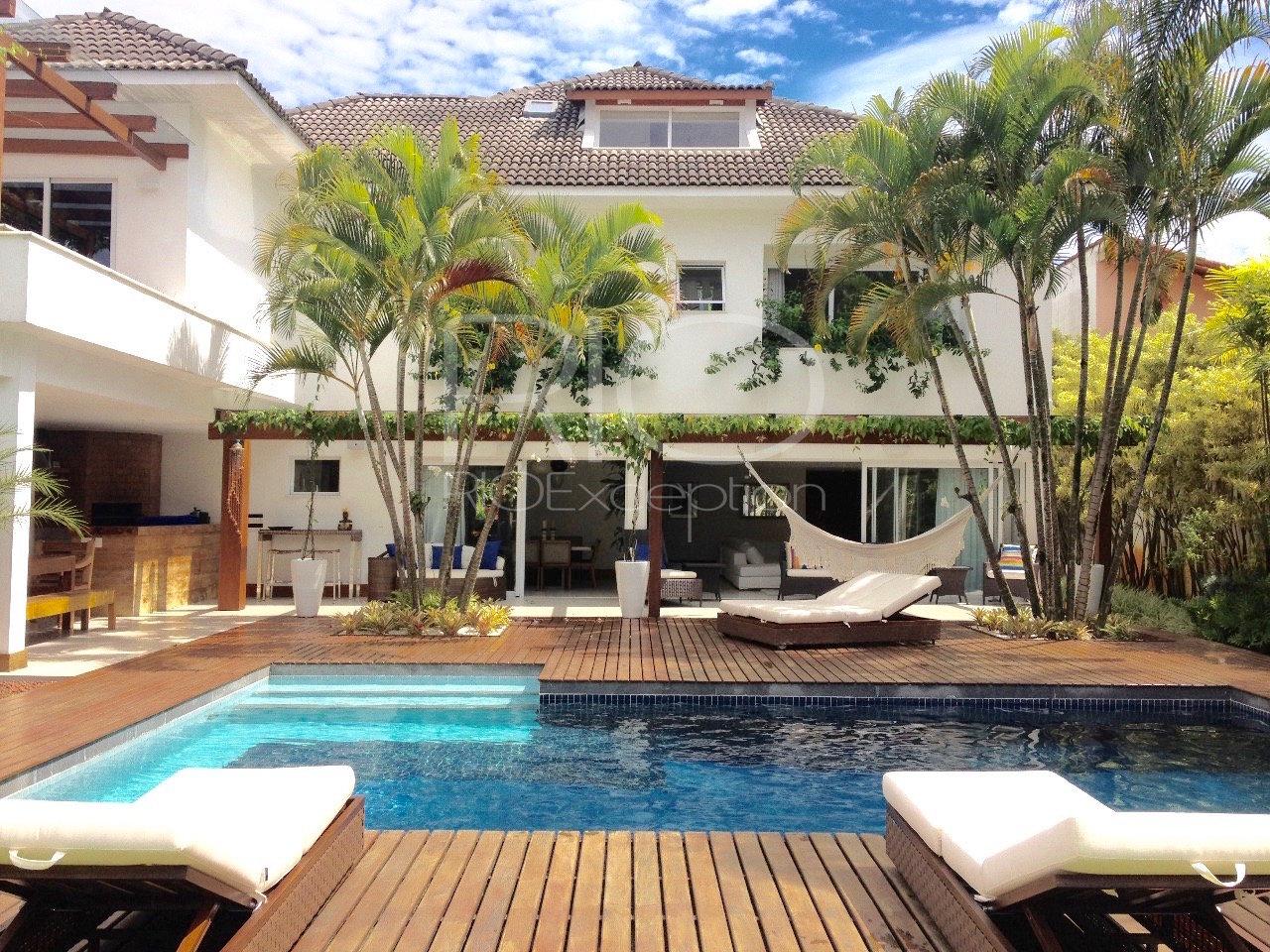 Maravilhosa casa 600m2 - Barra da Tijuca