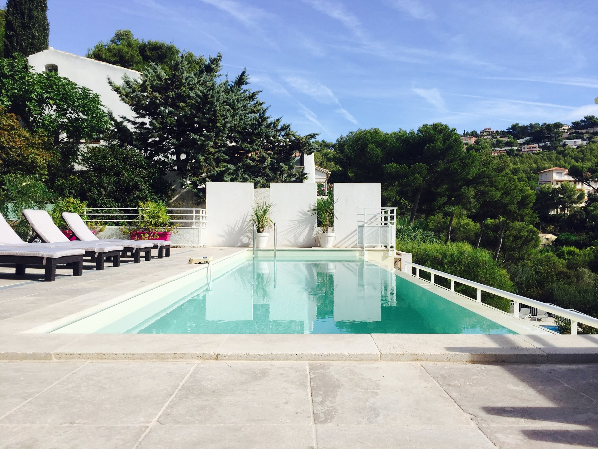 Sea view villa with a swimming pool in the Mont des Oiseaux