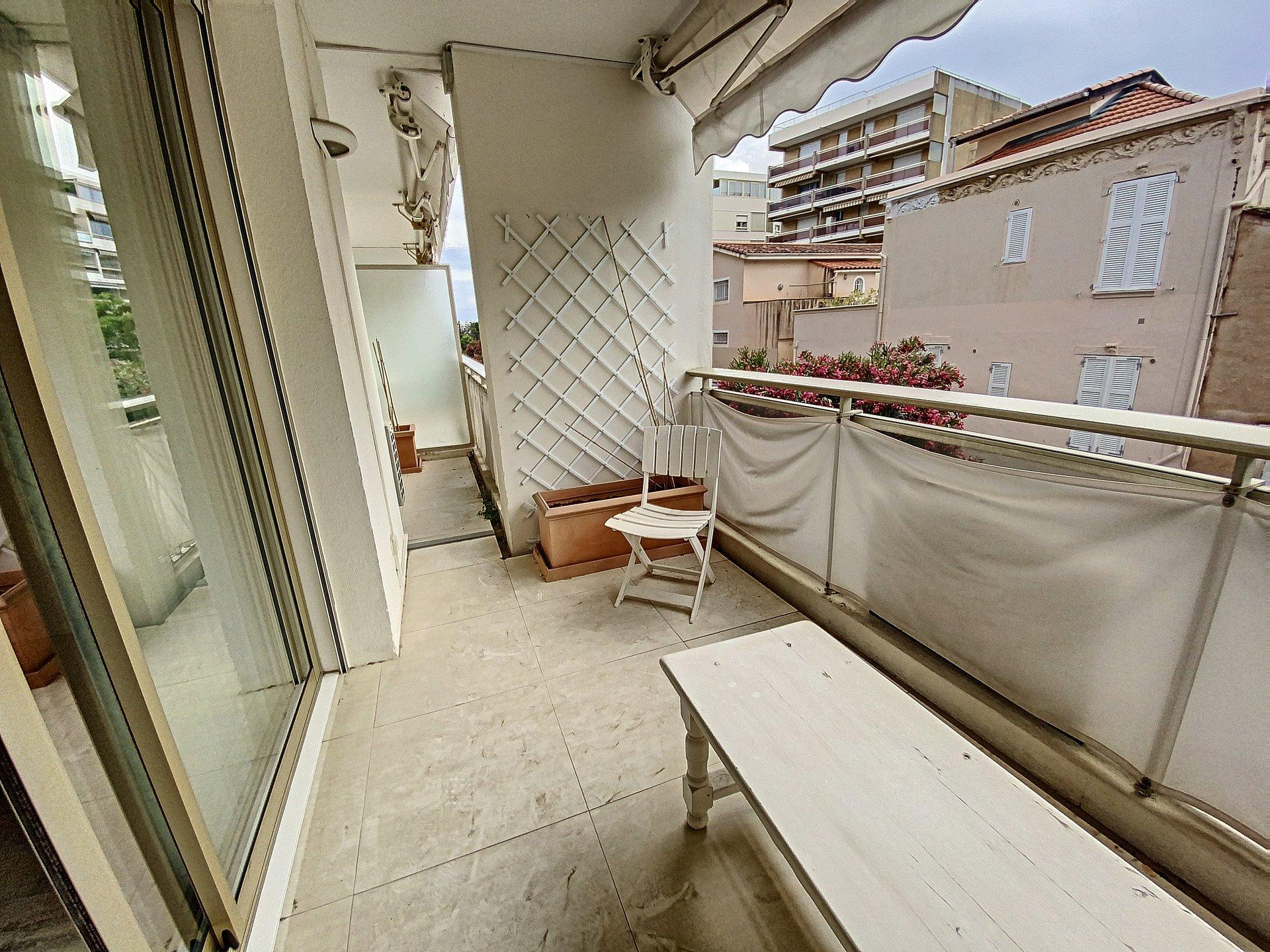 Cannes Palm Beach 3P de 69 m2 closed to shops