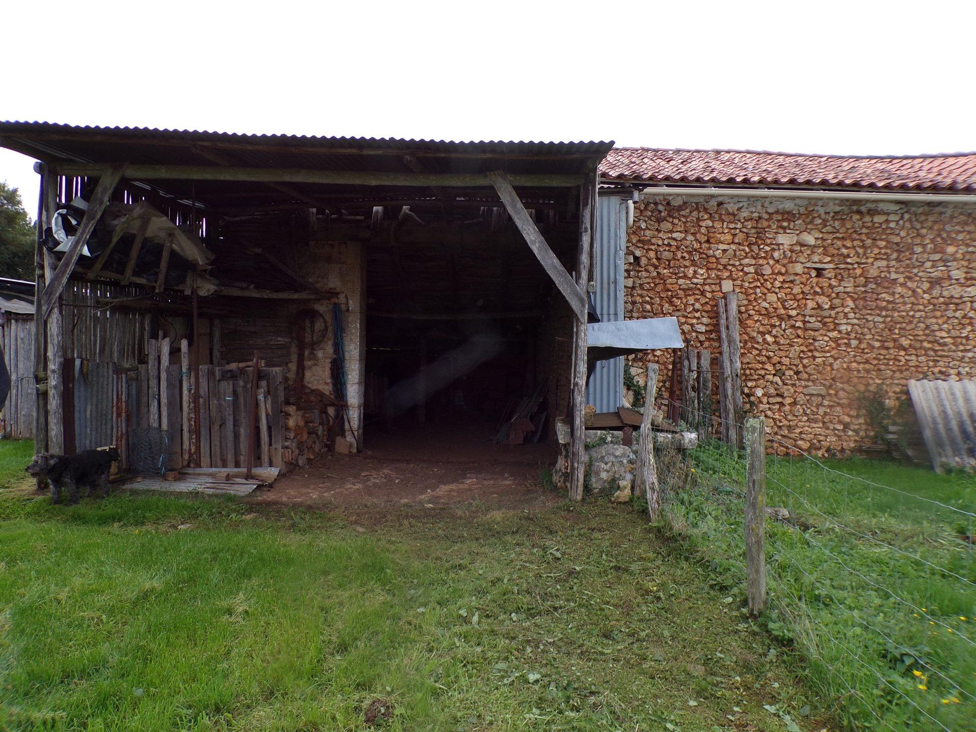 Maison ancienne à Nanteuil en Vallée