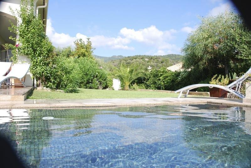 Splendide villa T5, les pieds dans l'eau.