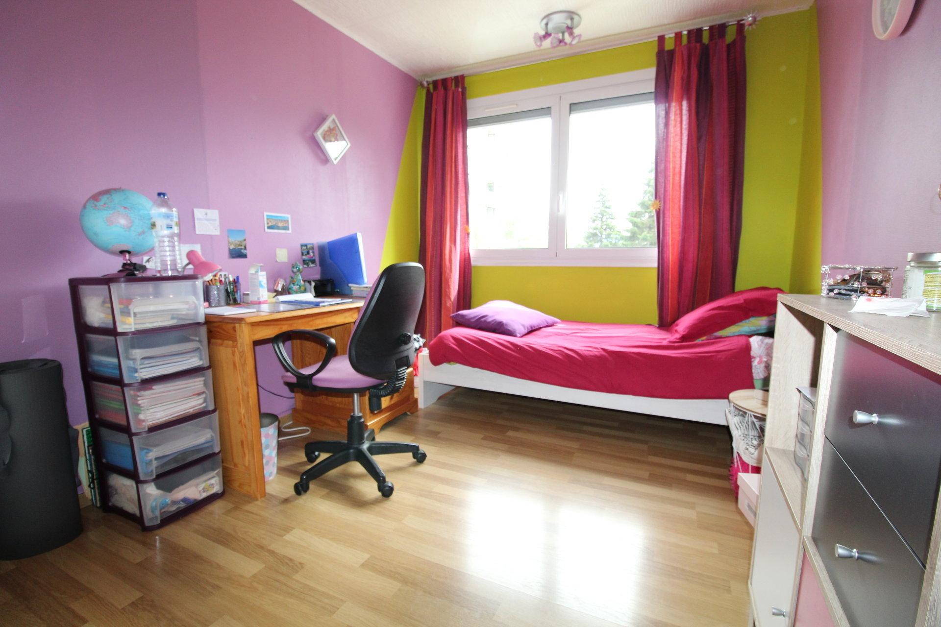 Appartement Villars 6 pièces 112.57m2 avec balcon et cave