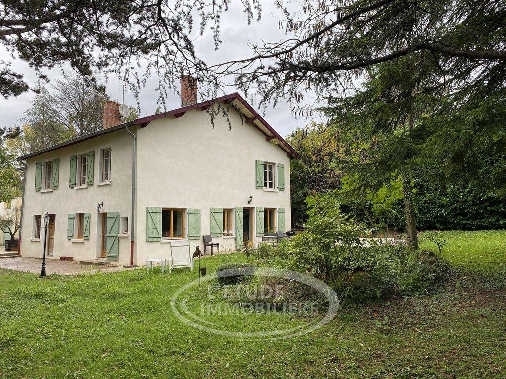 Belle maison de 8 pièces 230m², terrain de 1700m²