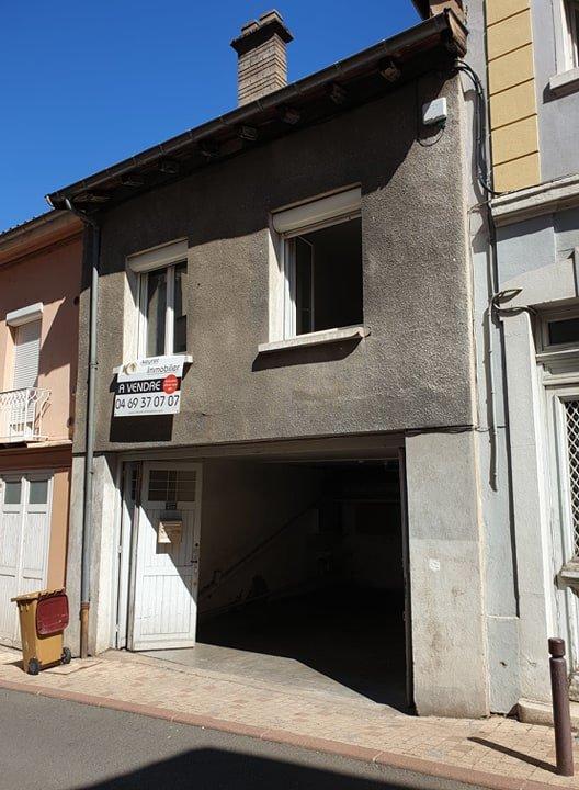 Exclusivité - Maison de ville avec garage