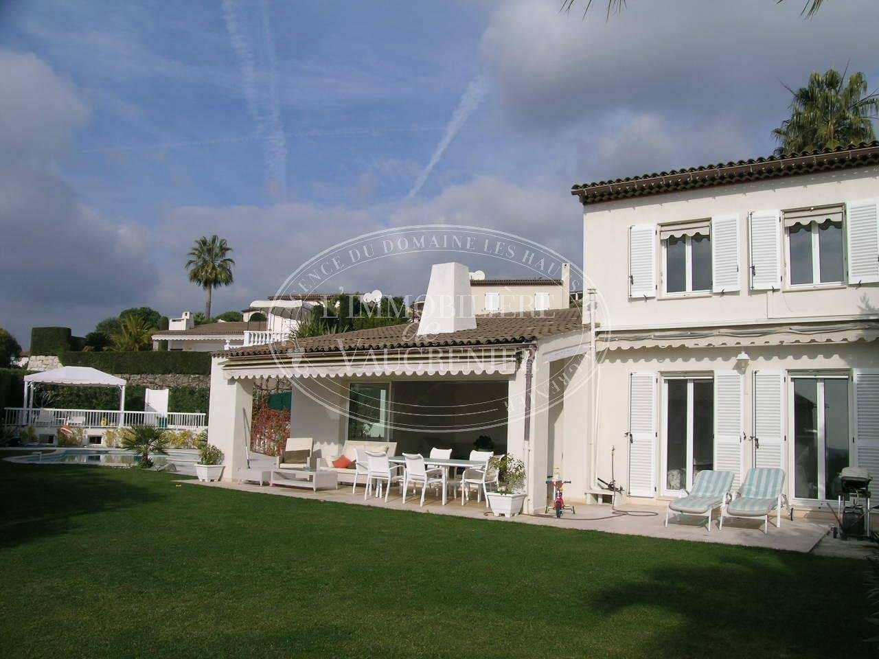 FOR SALE HAUTS DE VAUGRENIER SEMI ATTACHED VILLA 5 ROOMS 1 790 000.-€
