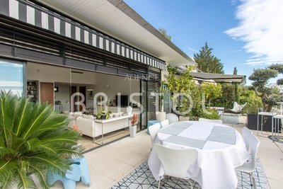 Exceptional contemporary penthouse in Eze in a prestigious secured estate