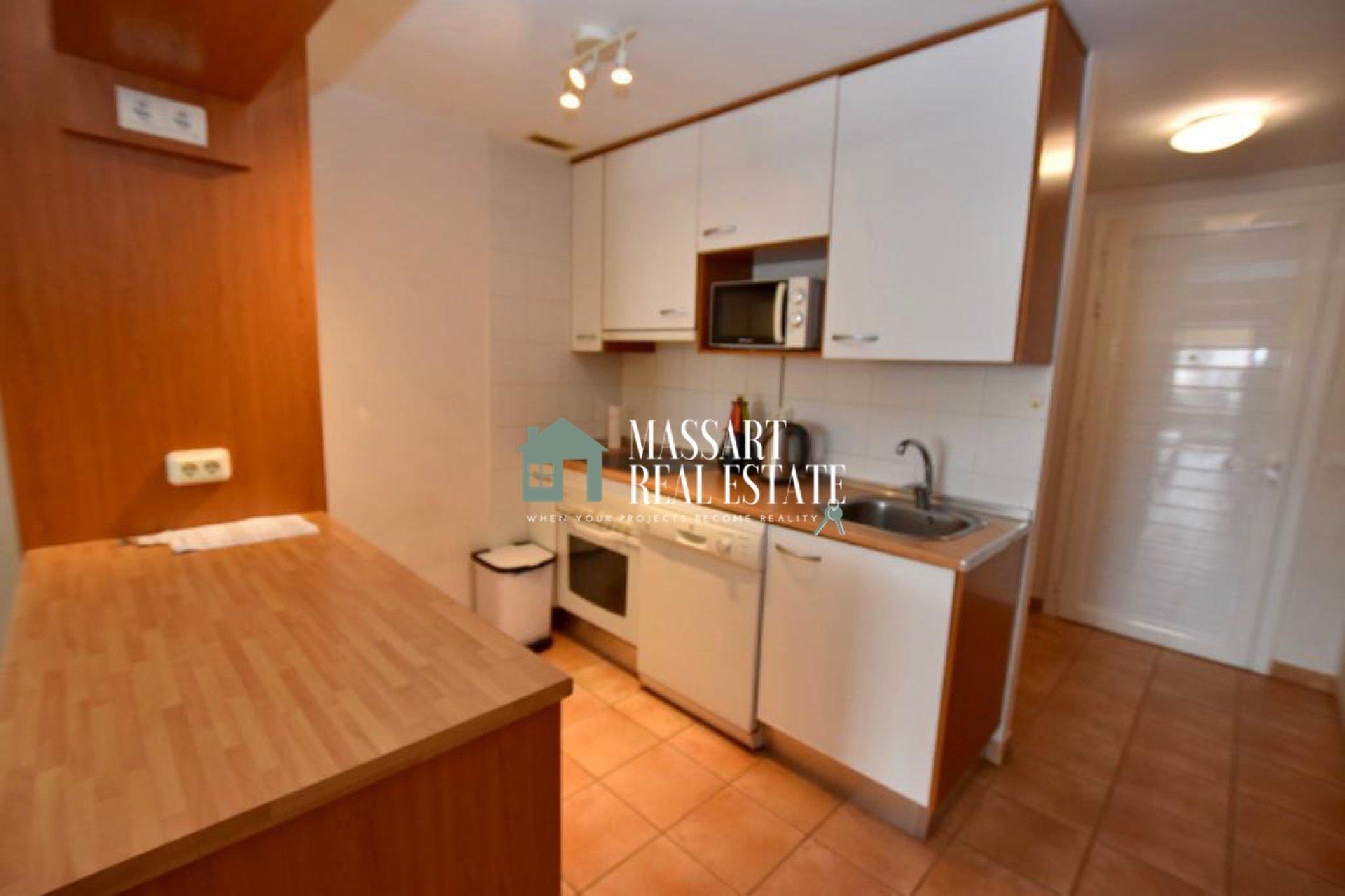 """Te koop in Playa Paraíso (Adeje), in de woonwijk """"Paraíso II"""", volledig gemeubileerd en gerenoveerd appartement ... klaar om te betrekken!."""