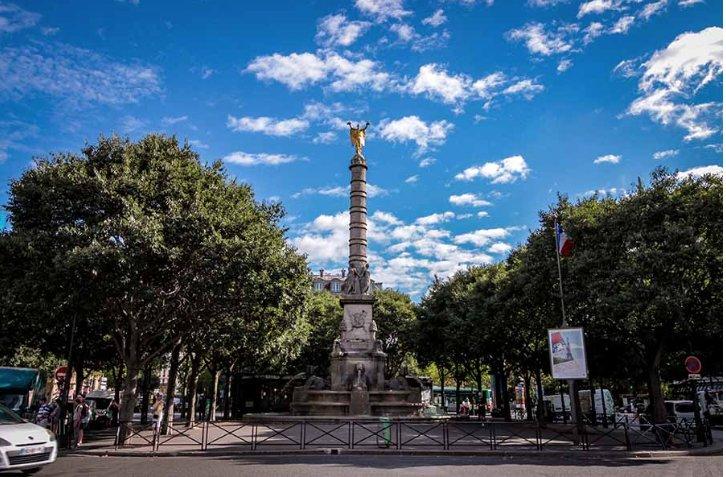 Paris - Ier - M° Châtelet - LES HALLES / HÔTEL DE VILLE - STUDIO  AU COEUR DE PARIS - POUTRES APPARENTES - MEZZANINE