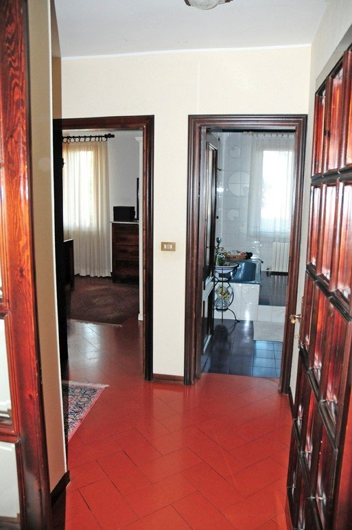 Villa with walking distance to historical center with sea and mountain views