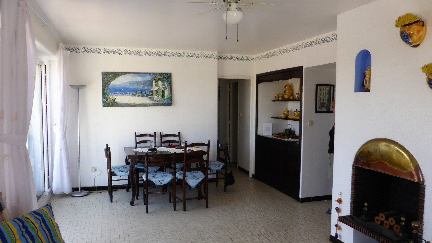 Apartment just by the beach - can be changed into 2 smaller apartments