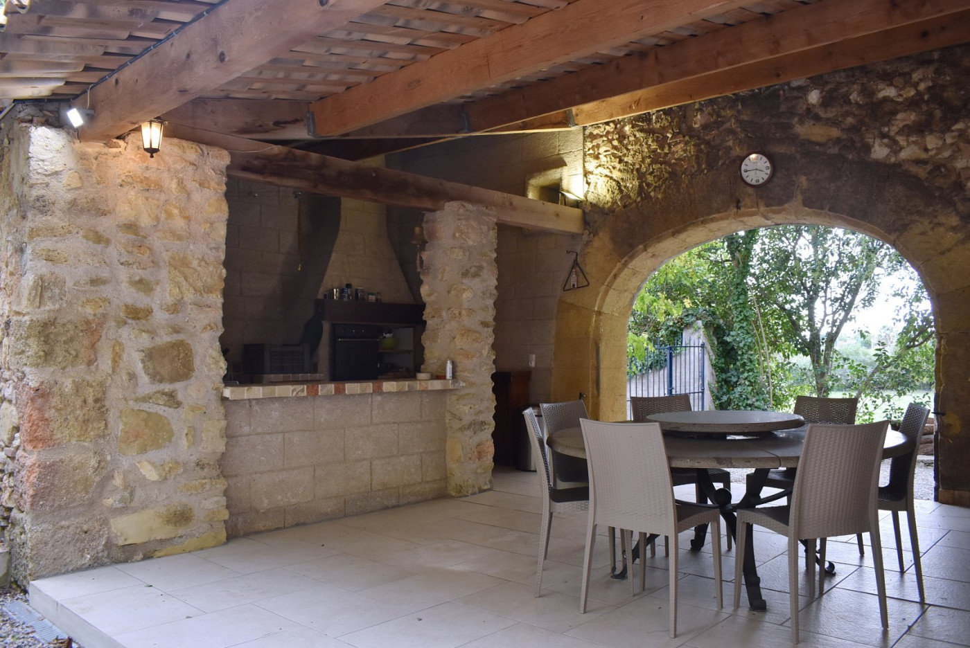 Estate with pool 20 min from Béziers