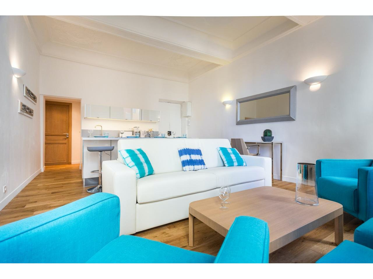 2 bedroom apartment in old city of Nice