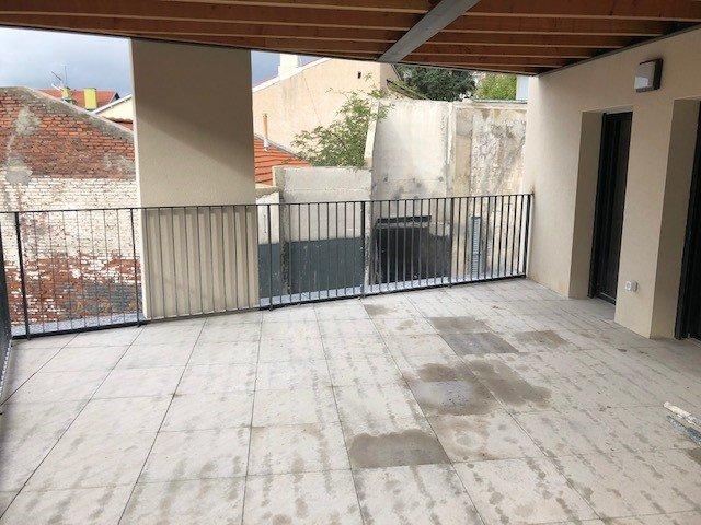 SAINT-PRIEST-EN-JAREZ- Appartement T1 AVEC BELLE TERRASSE