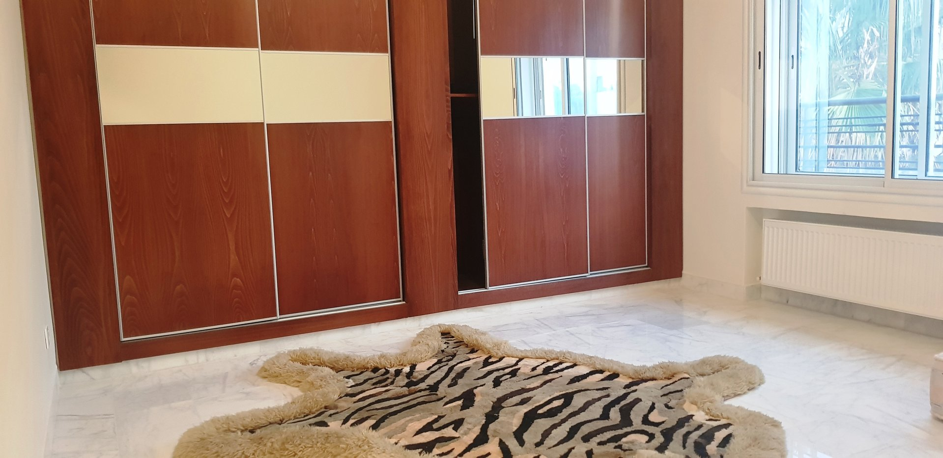 appartement salon et quatre chambre