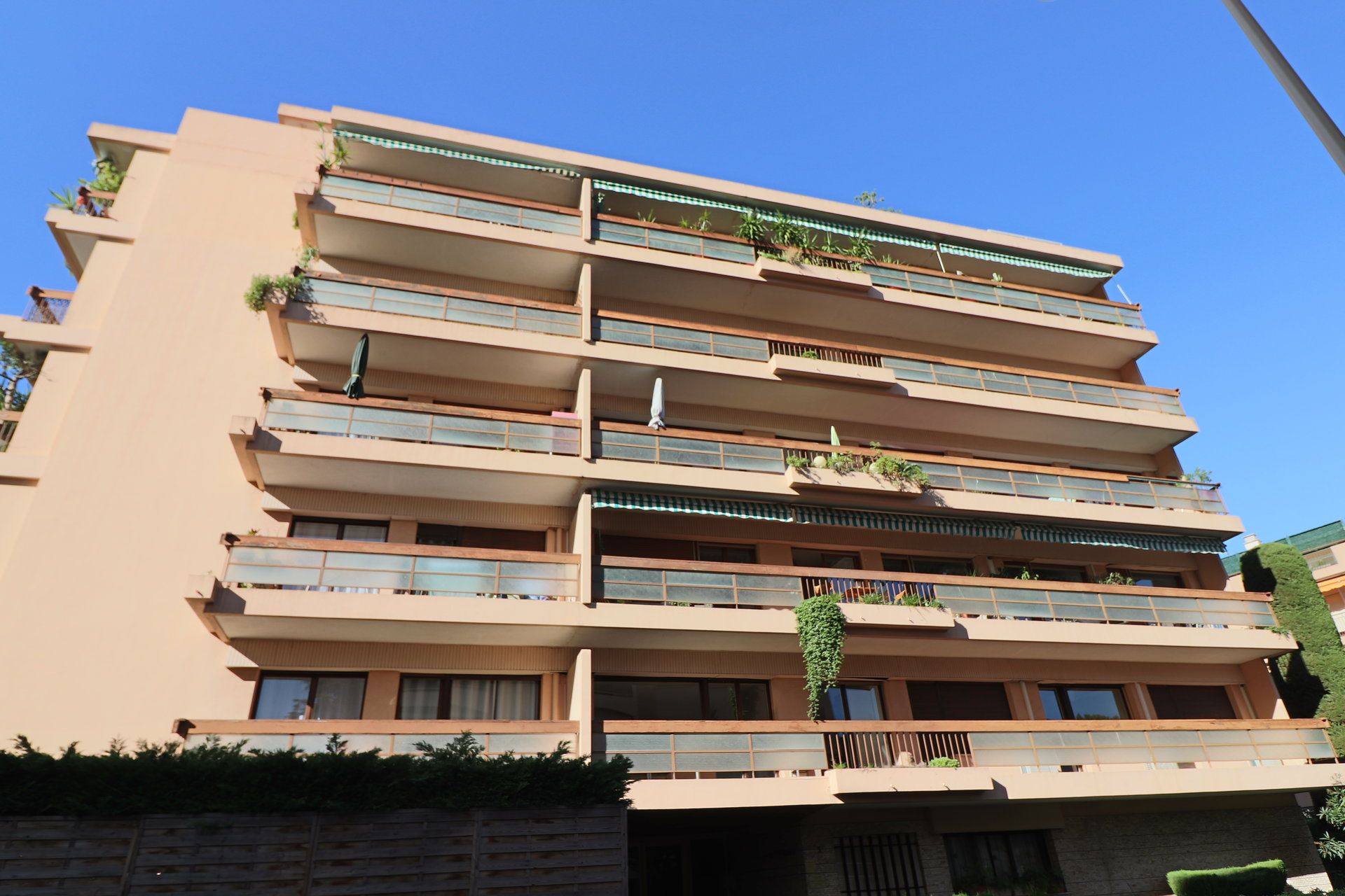 Sale Apartment - Le Cannet Carnot