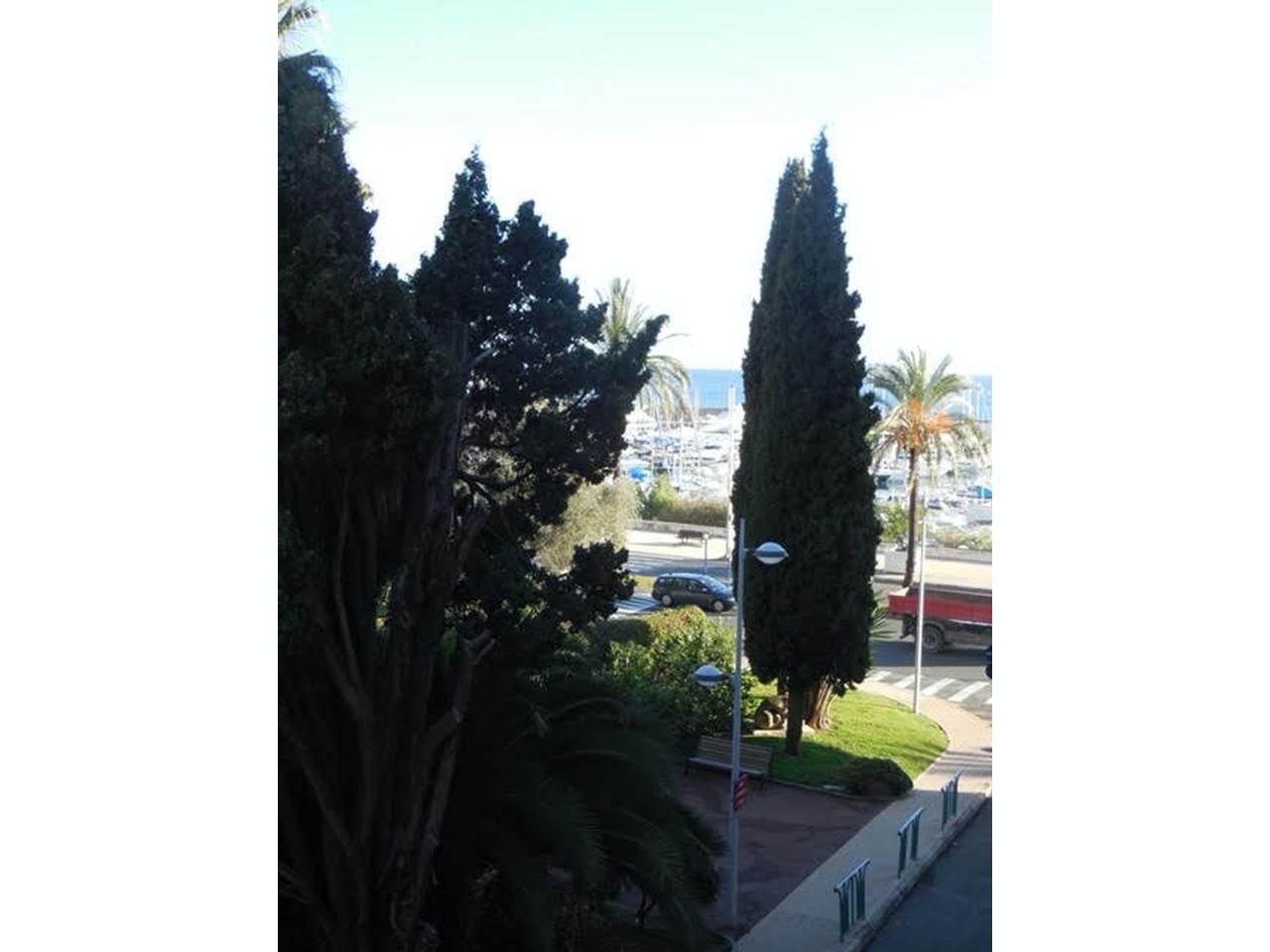 Bo nära havet i Menton - terrass och parkering