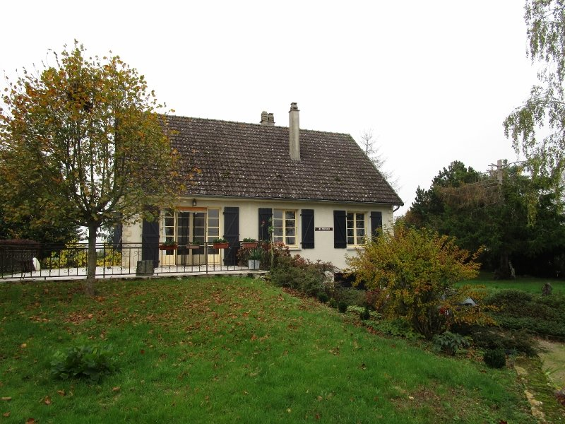 For sale house with views at the foot of Morvan, in Burgundy
