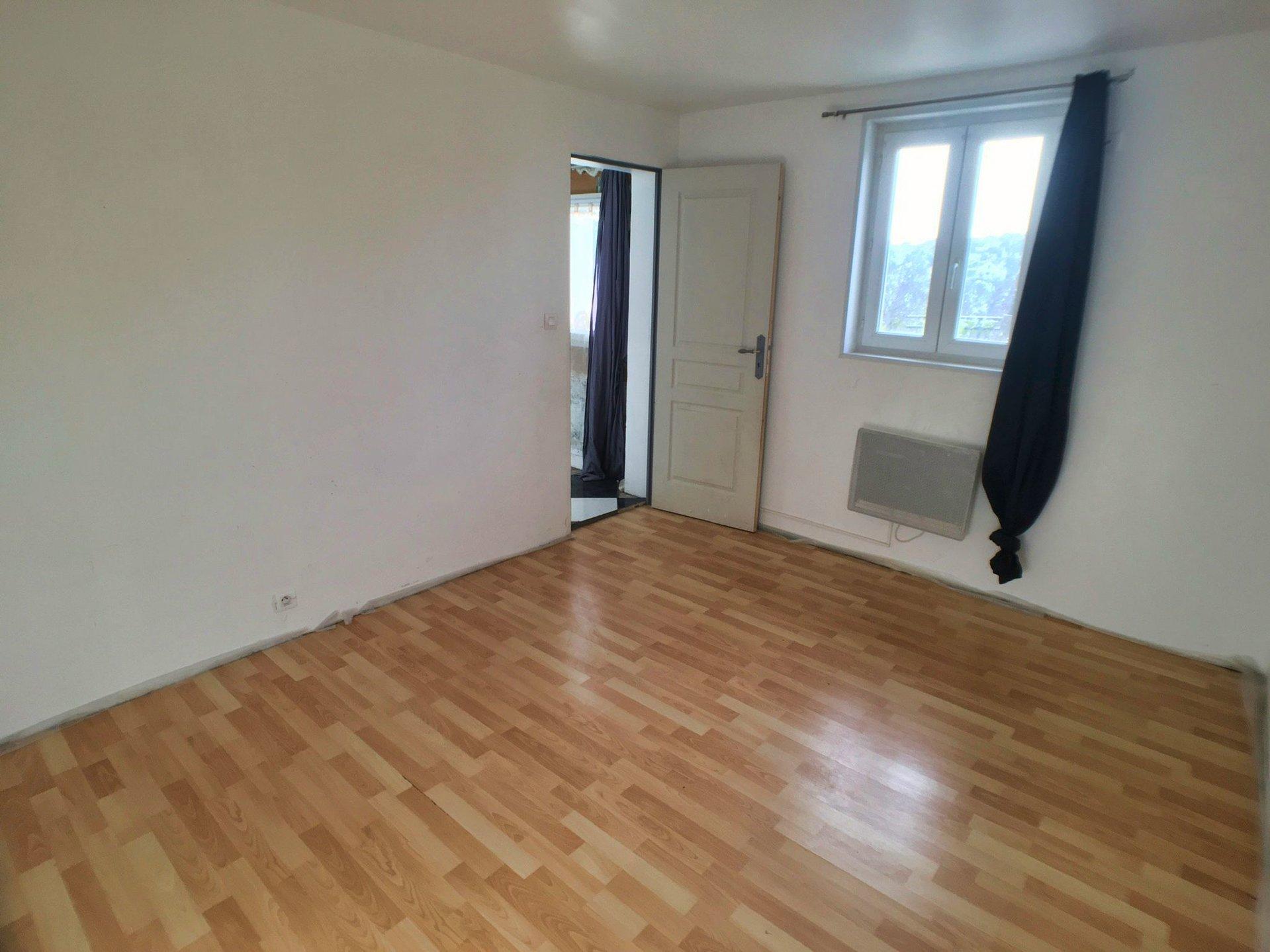 Maison 2 pièces 37 m² + 123 m² de terrain