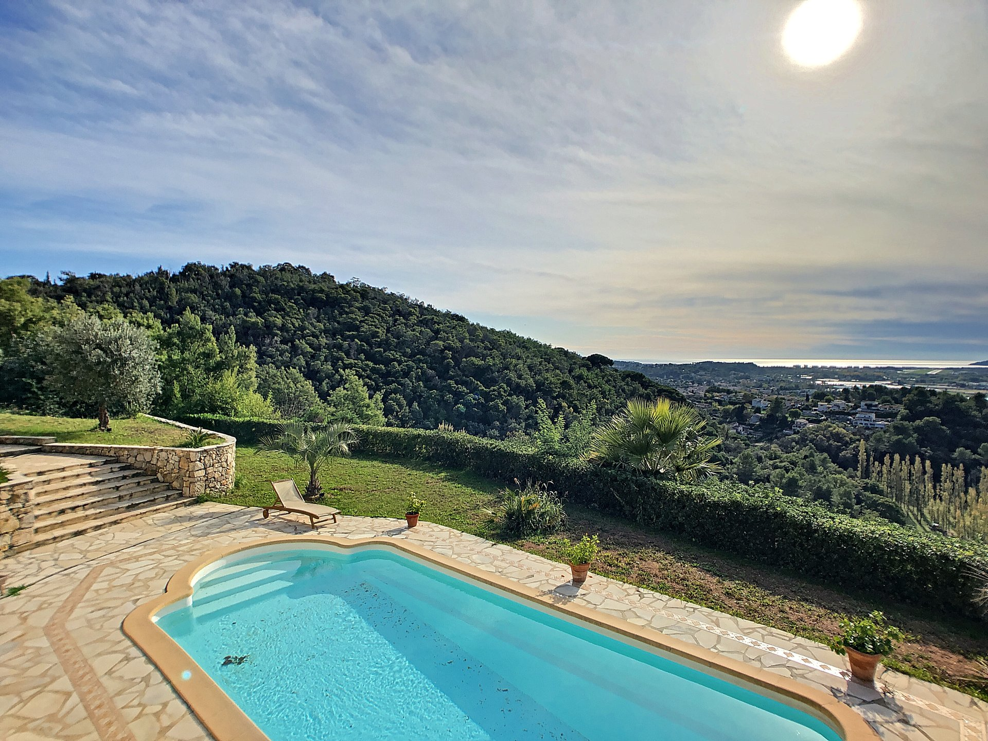 La Roquette, Villa 5 bedrooms, panoramic sea views