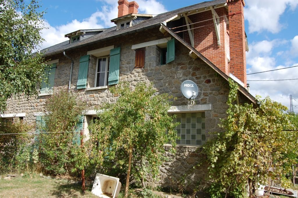 CORREZE - Very nice 1930 house in hamlet Marèges