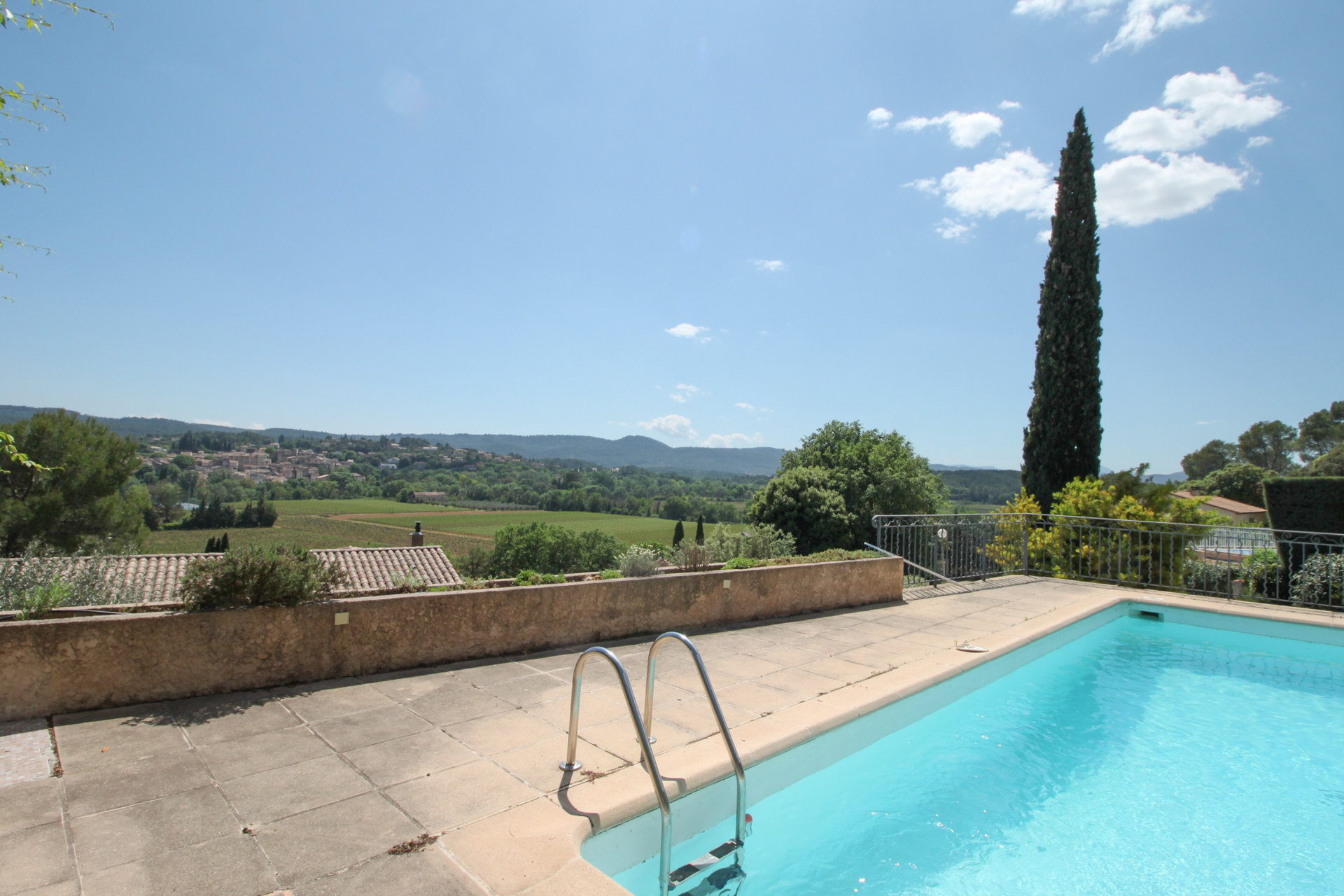 Cozy villa with panoramic view at walking distance from the village