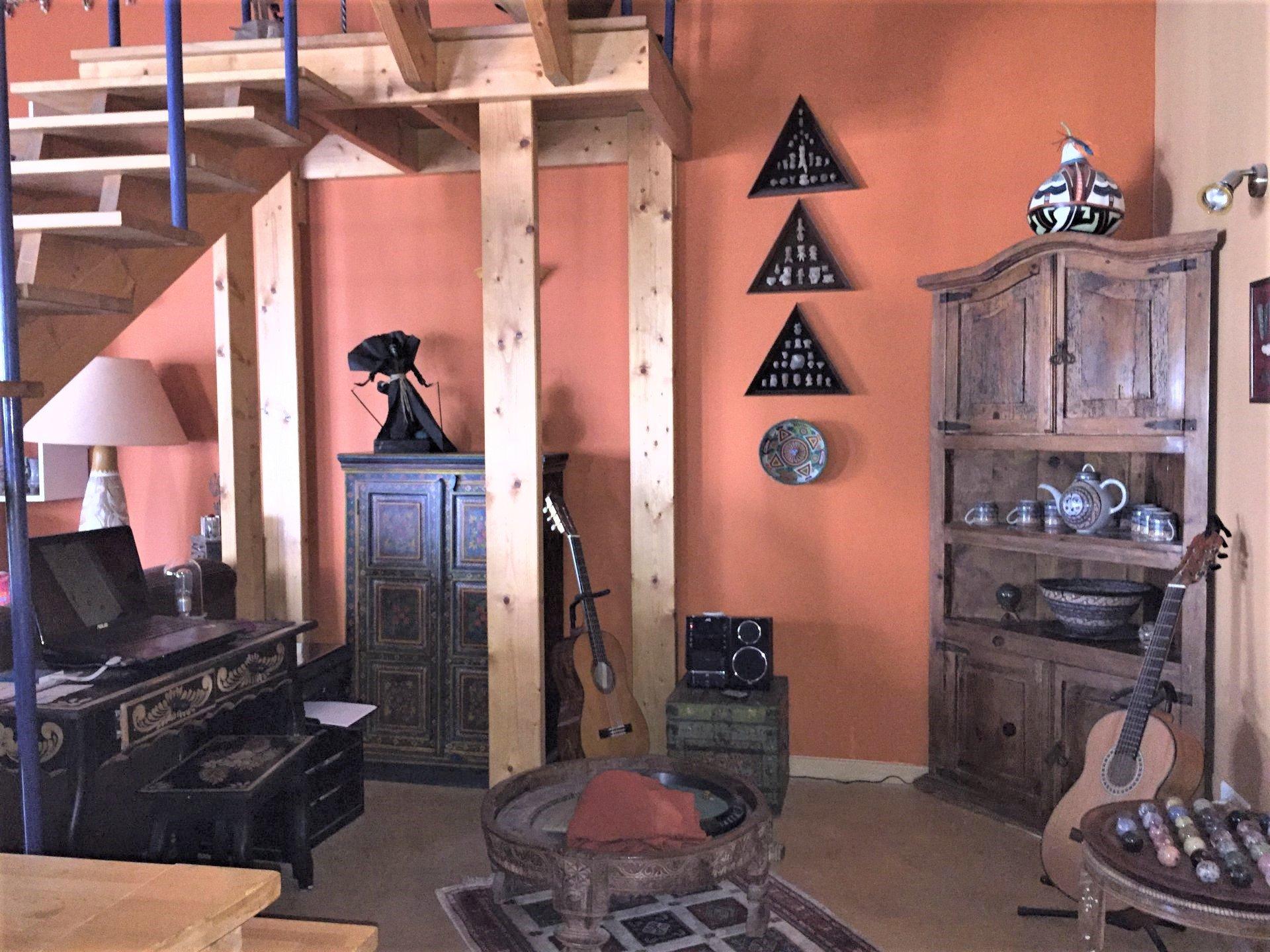 Maison de village avec jardin et garage