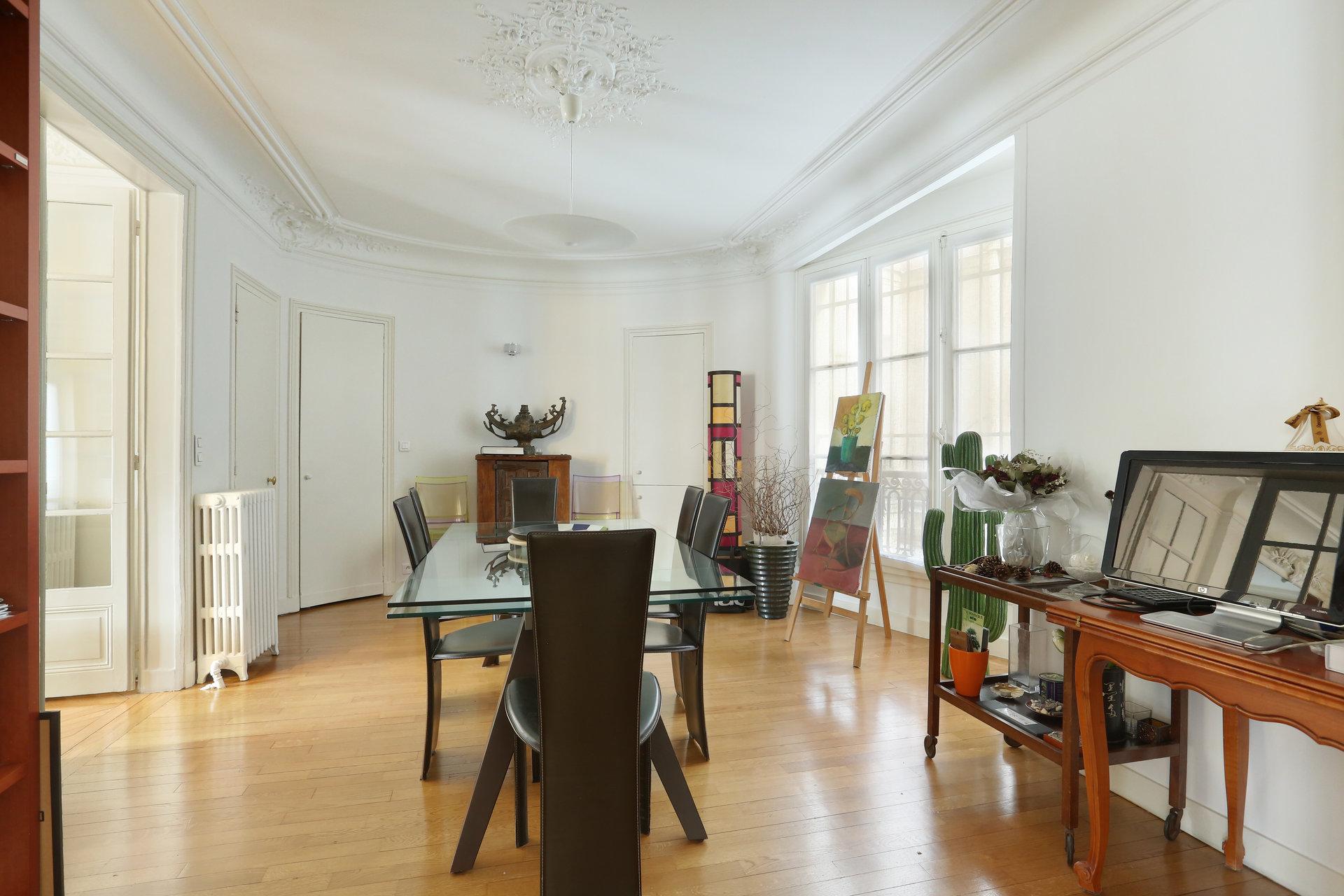 Saint Germain/Solferino 5 pièces 141 m²