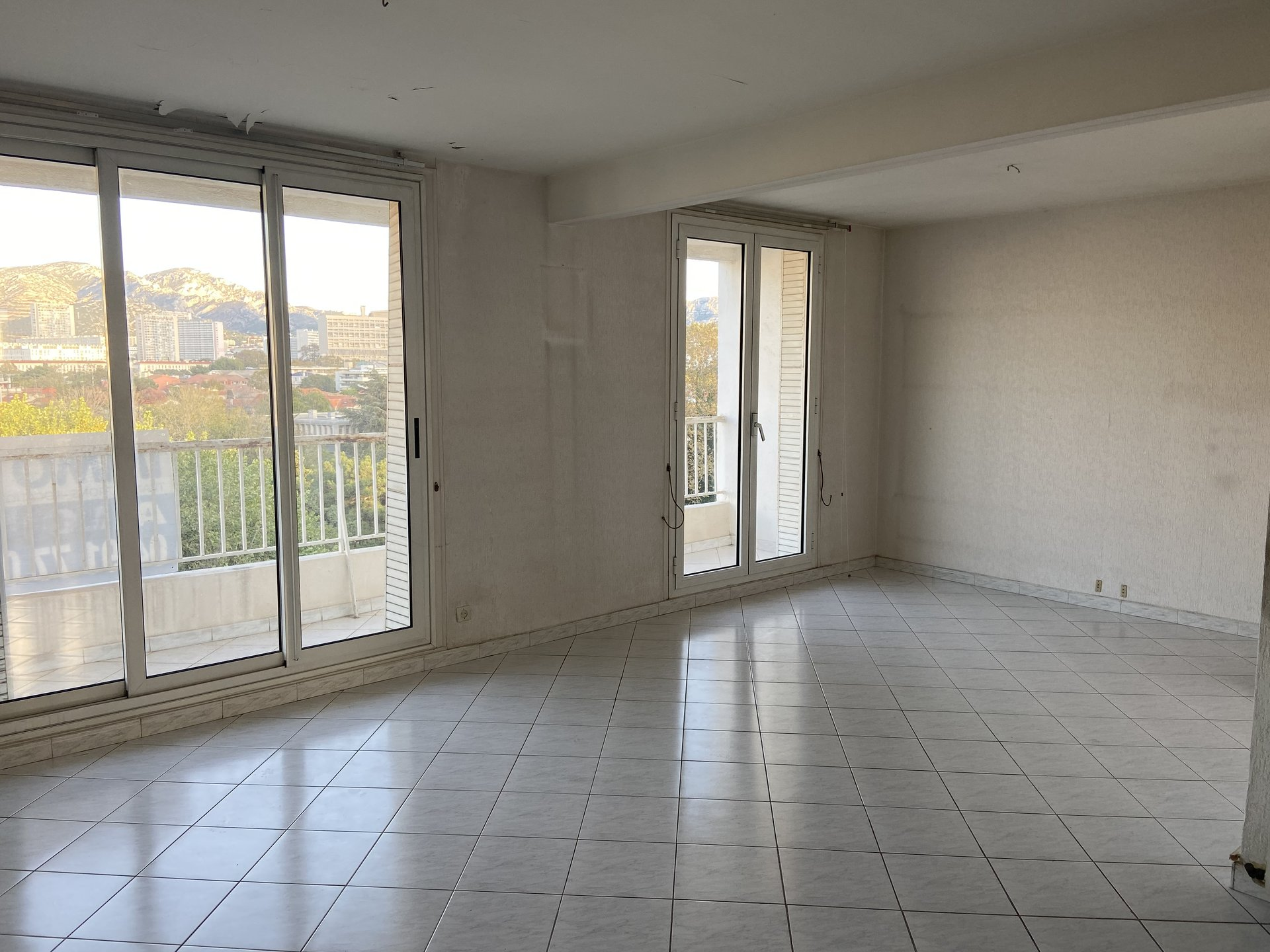 Appartement T5 Etienne Milan 13008 Marseille