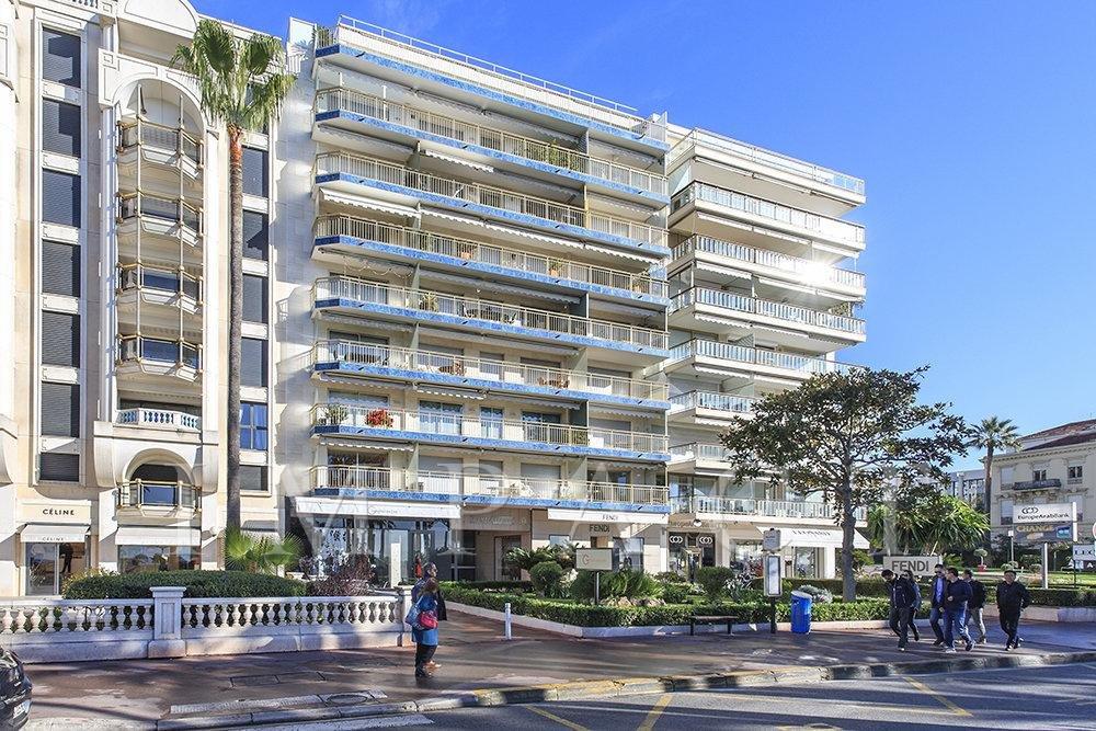 Location saisonnière - Appartement 3 pièces - vue mer panoramique - Cannes Croisette