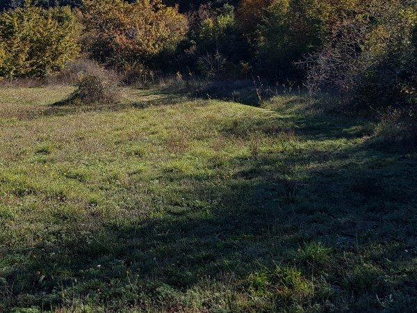 Terrain plat ensoleillé  1120 m² proche centre village