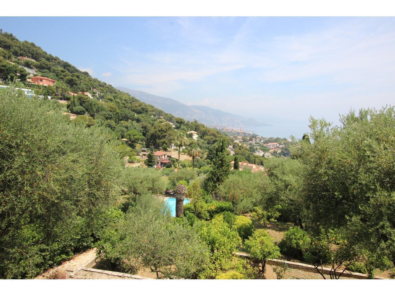 Roquebrune Cap Martin - villa med pool och havsutsikt