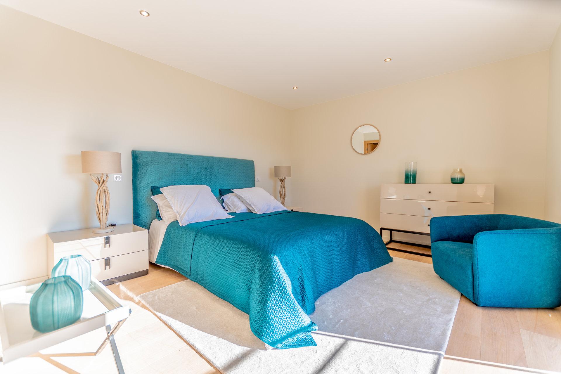 Propriété en pierres de 550 m² avec maison d'amis sur 7 ha