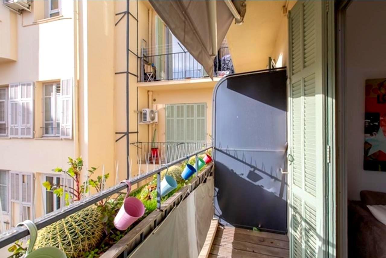 FÖRSÄLJNING Lägenhet 2 Rum Nice Centrum Balkong Renoverad