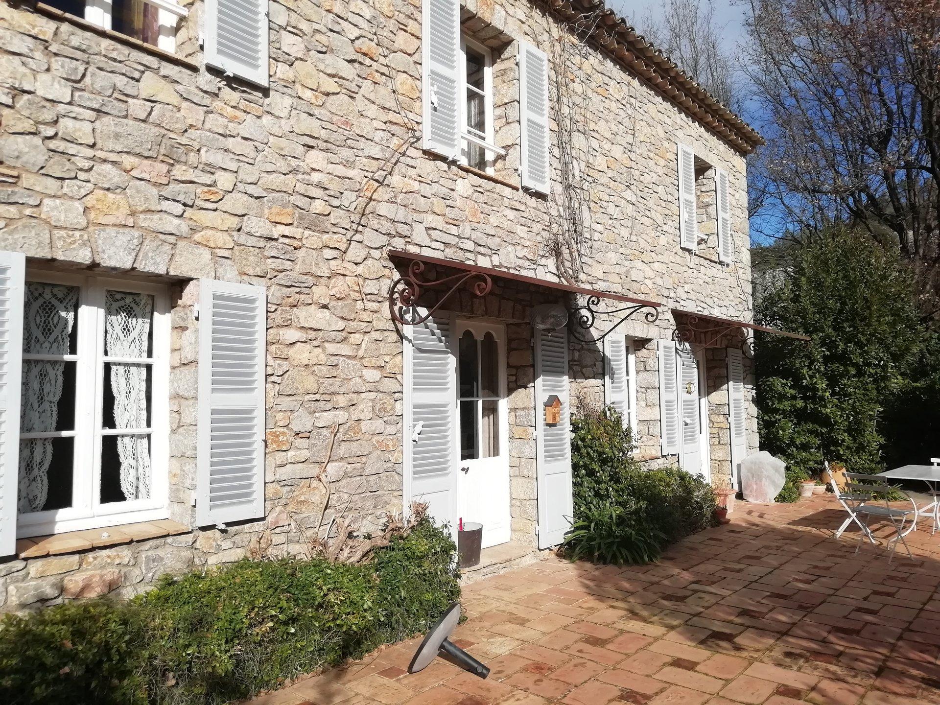 Bastide and its mill in Taradeau