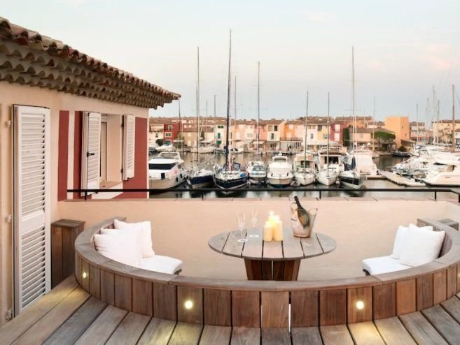 Close to Saint Tropez - Luxury villa with mooring
