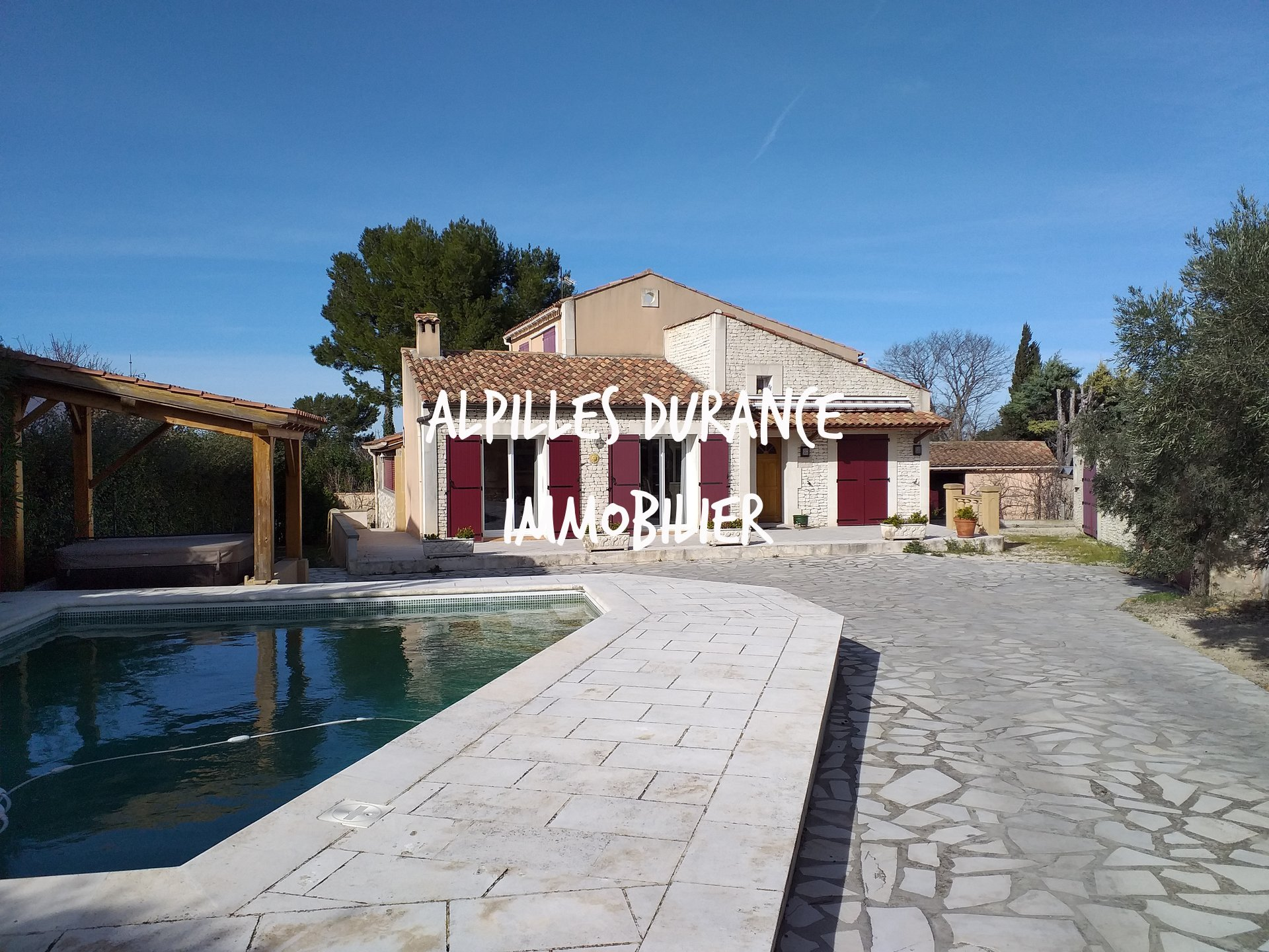 Furnished rental. SAINT REMY DE PROVENCE EYRAGUES