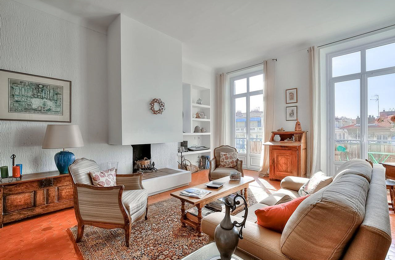 Magnificent 4-bedroom in bourgeois building - Nice Centre Ville