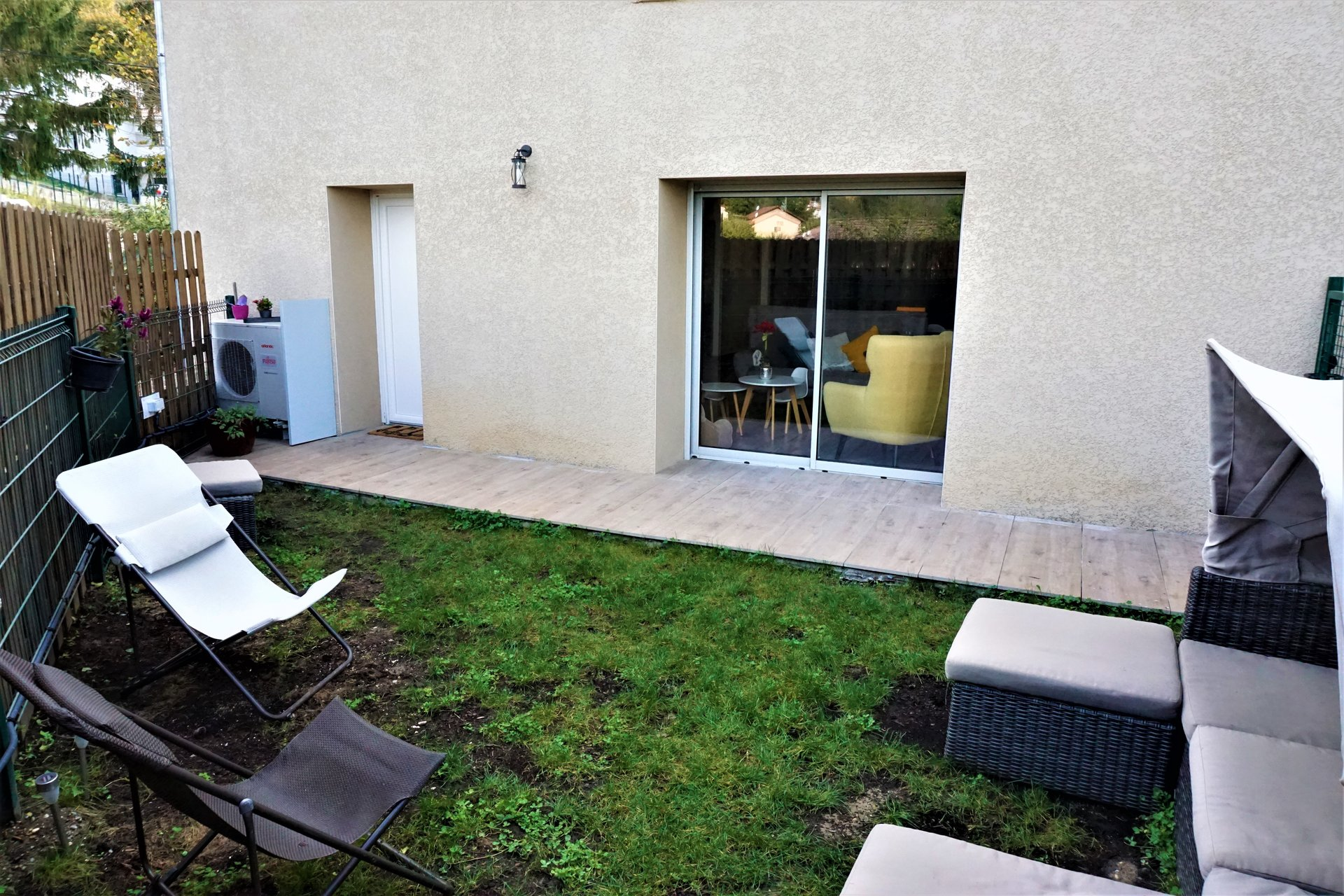 Sale Apartment - Fontaines-Saint-Martin