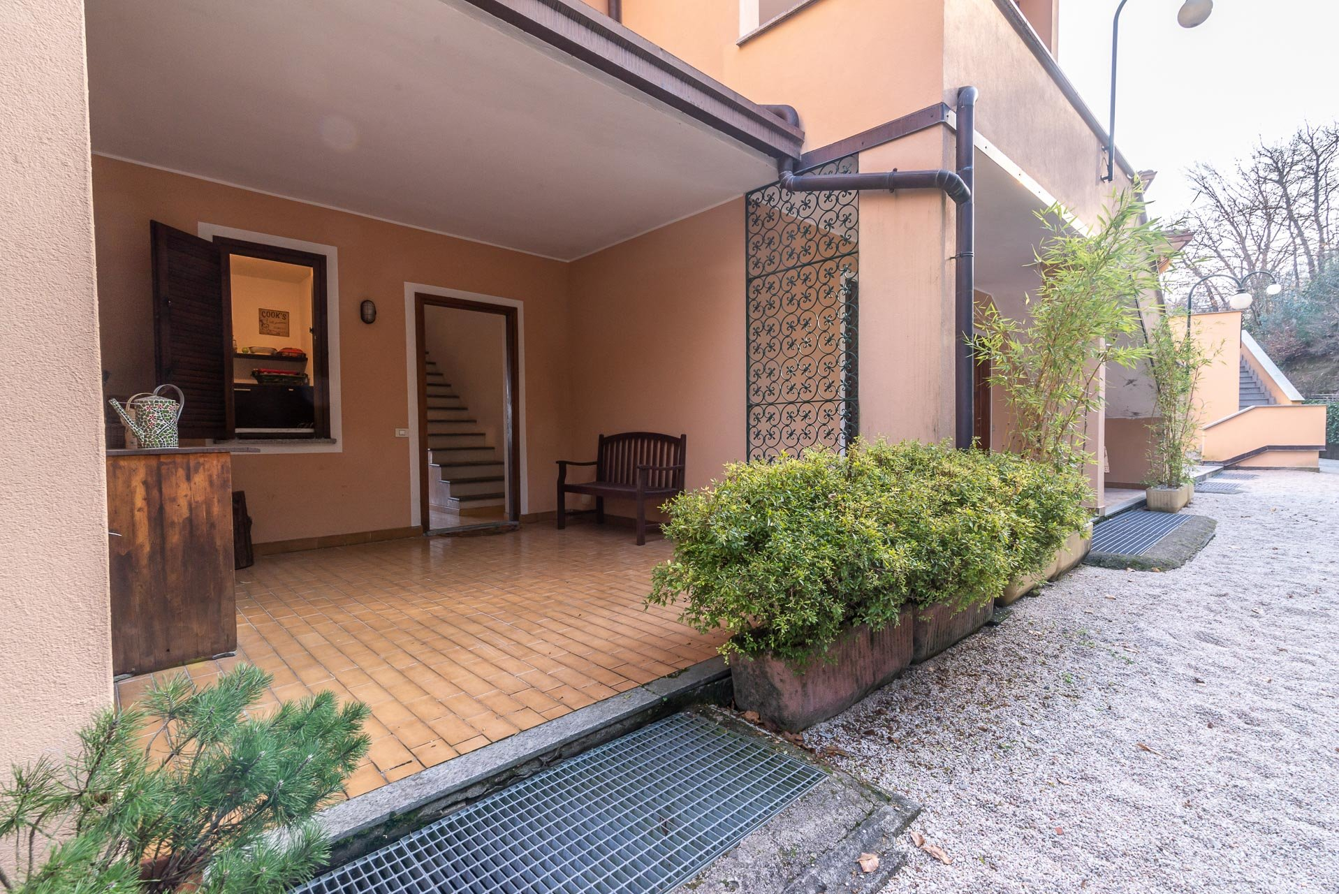 Apartment for sale in Stresa in a residence - entrance patio