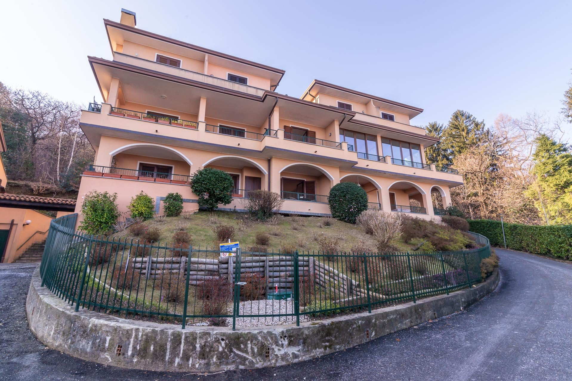 Apartment for sale in Stresa in a residence - outside